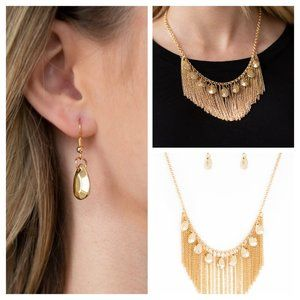 Bragging Rights - Necklace Gold. (015)